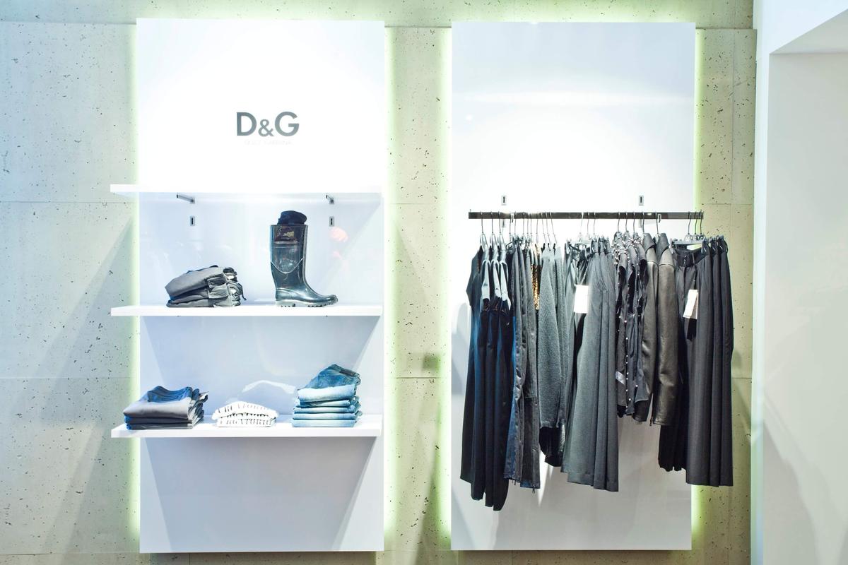 Ladenbau Im Wagener Modehaus Durch J 252 Ngst Ladenbau